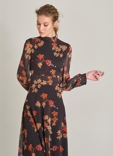 NGSTYLE Çiçek Desenli Sırt Detaylı Elbise Siyah